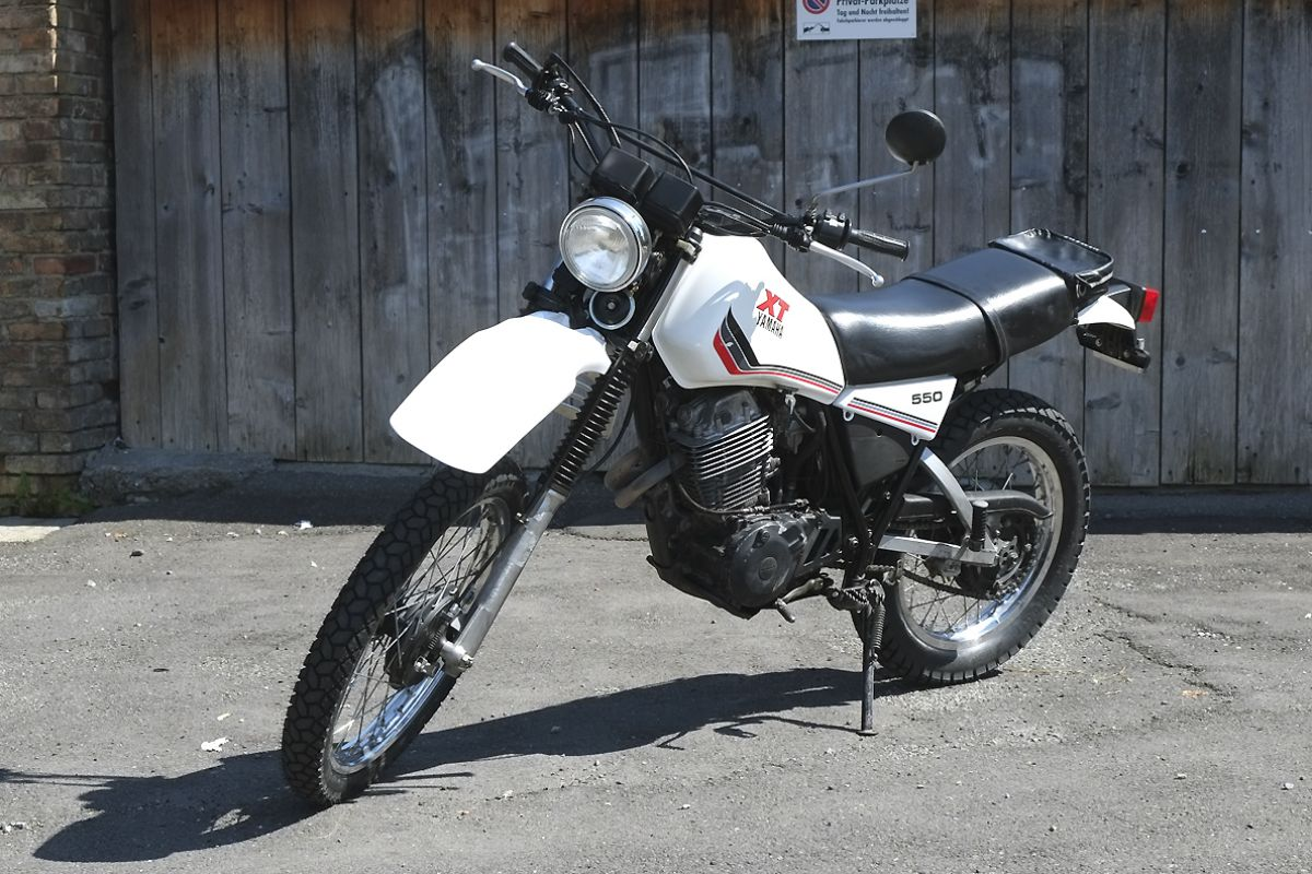 MOTORBIKE SHOP - Yamaha XT 550